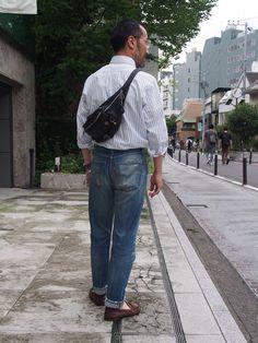 休日のお出かけ...お仕事のときよりも身軽に、荷物も沢山持ちたくないしできれば手ぶらで...なんて考えますが実際のところはお財布に携帯にサングラスにと何かと持...