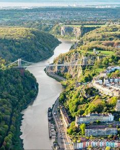 10 beautiful photos of Bristol taken from a hot air balloon England Top, Bristol England, Visit Bristol, Bristol Uk, Cool Places To Visit, Great Places, Clifton Bridge, Bristol City Centre, Bristol Channel