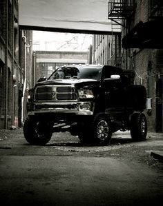 Dodge Ram truck lifted nicely! Not a Dodge fan so surprising that I'm pinning this. Dodge Truck WeKnowCars