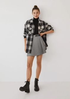 Essential prices de Mulher 2020 | Mango Portugal Denim Oversize, Wrap Skort, Wishlist Shopping, Spring Work Outfits, Plaid Fabric, Red Plaid, Short Skirts, Pleated Skirt, Woman Fashion