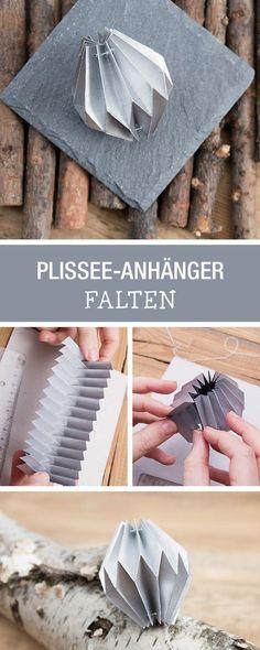 Geschenke schön verzieren mit Plissee-Anhängern: Wir zeigen Dir, wie Du sie faltest / craft gift tags for christmas, pleating paper via DaWanda.com