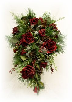 Great bouquet for a winter wedding- especially right around Christmas!