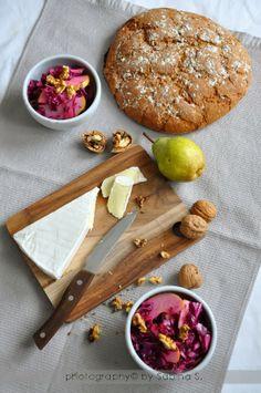 Due bionde in cucina: Insalata invernale con cappuccio rosso, pera e noci