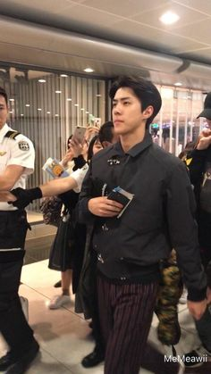 Image in Oh Sehun ^^ collection by Mrs. Hunhan, Kyungsoo, Chanyeol, Baby Chicks, Airport Style, Boyfriend Material, Memes, Rapper, Fangirl