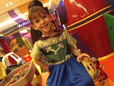 Raquel de look exclusivo @anacalocaatelie para os seus 5 anos