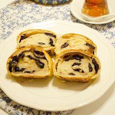 En güzel mutfak paylaşımları için kanalımıza abone olunuz. http://www.kadinika.com Günaydınlar  önceki gün fotoğrafını paylaştığım ama tarifini veremediğim Zeytinli Ekmek ile Günaydın demek istedim güzel haberler alacağımız bir gün olsun  tarif yorum bölümünde     #sibelyalcincom
