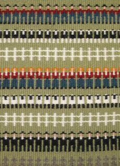 In previous centuries the crosses formed in boundweave patterns had more direct and religious meaning to weavers and users of textiles. Most contemporary weavers use the geometric patterns created… Inkle Weaving, Card Weaving, Tablet Weaving, Types Of Weaving, Weaving Tools, Weaving Projects, Weaving Designs, Weaving Patterns, Tapestry Weaving