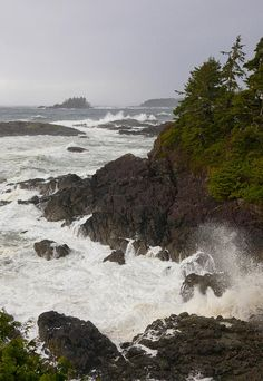 ✮ A stormy morning on the wild west coast of Vancouver Island