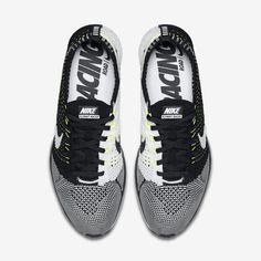http://store.nike.com/fr/fr_fr/pd/chaussure-de-running-mixte-flyknit-racer/pid-10064409/pgid-11454780