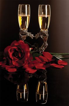 Champagne and Roses - - Yahoo Image Search Results My Funny Valentine, Happy Valentines Day, Happy Birthday Wishes, Birthday Greetings, Wine Glass Images, Romantic Evening, New Years Eve Party, Beautiful Roses, Red Roses