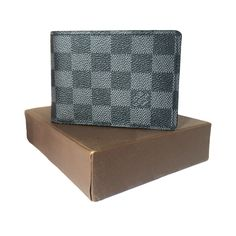 Louis Vuitton Grained calf leather lining Wallet. #wallet, #clipper, #men, #women, #fashion, #india
