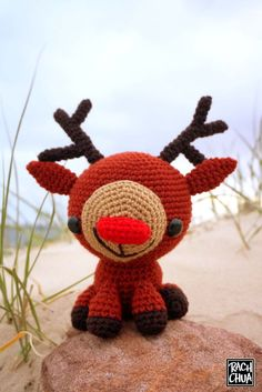 Rudolph the Nosed Reindeer - Free Amigurumi Pattern here: http://rachchua.wordpress.com/2014/11/20/free-pattern-reindeer/