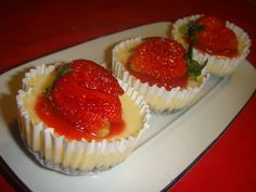 Baked mini Strawberry Cheesecake with a chocolate base