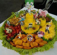 Nasi kuning + Sosis goreng + Mie goreng + Kering tempe + Telur dadar iris + Chicken nuggets