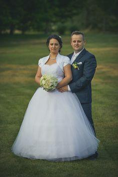 Szeles esküvői fotózás - Esküvői fotós, Esküvői fotózás, fotobese Wedding Dresses, Fashion, Bride Dresses, Moda, Bridal Gowns, Fashion Styles, Weeding Dresses, Wedding Dressses, Bridal Dresses