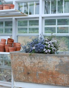 Treasure Hunting- a vintage laundry sink for the greenhouse - FRENCH COUNTRY COTTAGE