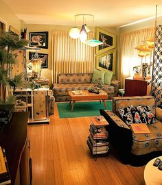 Mid Century Living Rooms Home Decor Inspiration - 349 photos of readers' livings rooms – Retro Renovation. Mid Century Living Rooms Home Decor In - 1950s Living Room, Retro Living Rooms, Living Vintage, Mid Century Living Room, Living Room Photos, 1970s Living Room Furniture, Mid Century Decor, 70s Home Decor, Rooms Home Decor