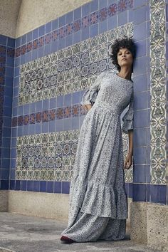 See all the Collection photos from Co Spring/Summer 2017 Ready-To-Wear now on British Vogue Fashion 2017, Spring Fashion, High Fashion, Fashion Show, Womens Fashion, Fashion Design, Fashion Trends, Best Maxi Dresses, Ready To Wear