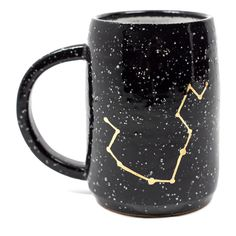Aquarius Constellation Mug (2.990 RUB) ❤ liked on Polyvore featuring home, kitchen & dining, drinkware, black mug, astrology signs, black zodiac signs ve zodiac signs