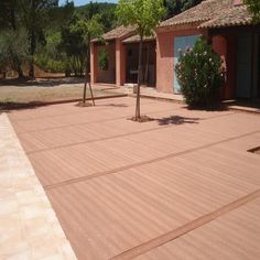 In France outdoor deck supplier of wood-plastic composites
