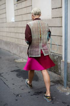 On the Street….Via Fogazzaro, Milan fucsia