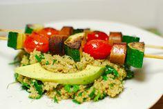 Kräuter-Couscous mit Grill-Spieß