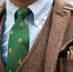 Tweed with accessories