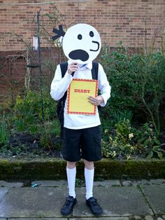 Diary of the Wimpy Kid costume for World Book Day. A super easy diary of the wimpy kid dressing up costume. Perfect for world book day and cheap world book day costume. This makes a great World book day costume for boys Story Book Costumes, Kids Dress Up Costumes, Book Character Costumes, World Book Day Costumes, Book Week Costume, Boy Costumes, Diy Halloween Costumes, Halloween Kids, Costume Ideas