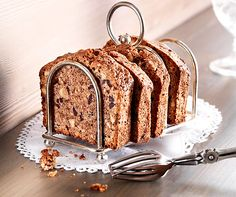 Tirolerkuchen ~ Tyrolean Hazelnut and Choclate Cake