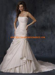 Robe de mariée ivoire style sirène sans bretelles avec traîne