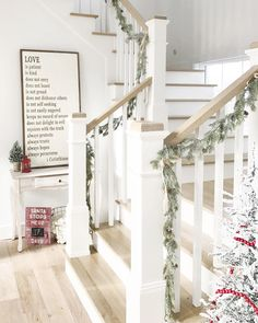 34 Luxury Farmhouse Art Design Ideas To Improve Your Home Foyer Decor Ideas Art Design Farmhouse Home Ideas Improve Luxury Staircase Railings, Banisters, Staircase Design, Stairways, Entryway Stairs, White Banister, White Staircase, Staircase Ideas, Cottage Shabby Chic