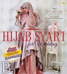 Mengusung nama Salon Hijab, dia makin dikenal setelah menjadi hijab stylist dari Fatin X Factor.  Dapatkan info: - 25  Fashionable hijab tutorial - Inspirasi syar'i untuk acara pernikahan - Kriteria hijab syar'i  Plus aneka tip: - Percaya diri berjilbab - Memilih kerudung menurut bentuk wajah - Menyesuaikan kerudung dengan gaun/kebaya pengantin