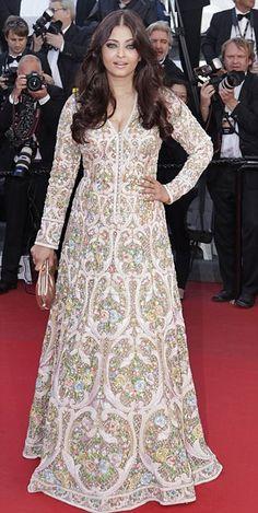 Aishwarya Rai in Abu Jani and Sandeep Khosla   2013 Cannes
