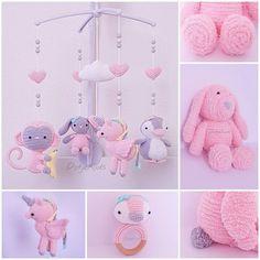 De pinguïn is een kooppatroon, het aapje, wolkje & konijntje gratispatroon. Allemaal te vinden op pinterest. Ik bewaar de linkjes niet omdat ik ze gelijk uitprint. De eenhoorn is mijn eigen patroon. Die is alleen voor eigen gebruik ❤☺ Crochet Baby Mobiles, Crochet Mobile, Crochet Baby Toys, Crochet Baby Booties, Crochet Dolls, Knit Crochet, Amigurumi Patterns, Crochet Patterns, Baby Decor