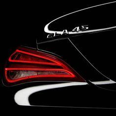 """""""Freitag Abend. Auch Dunkelheit kann Spaß machen..."""" [#Mercedes AMG CLA 45]"""