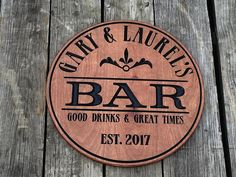 Custom carved Bar sign - Personalized - Pub sign - Round Wood sign - Christmas Gift for him - Craft brewing - Groomsmen gift : Pub Signs, Wood Signs, Custom Bar Signs, Patio Signs, Christmas Signs Wood, Christmas Ideas, Christmas Gifts, Pub Decor, Diy Gifts For Him