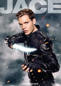 Dominic Sherwood in Shadowhunters: The Mortal Instruments Shadowhunters Tv Series, Shadowhunters The Mortal Instruments, Dominic Sherwood Shadowhunters, Jace Wayland, Alec And Jace, Clary Und Jace, Shadow Hunters Tv Show, Cassandra Clare Books, The 5th Wave