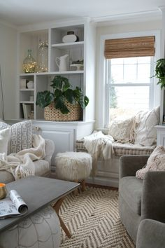 How to Have a Cozy Home- 4 Simple Tips! #hygge #nestingwithgrace #cozyhome