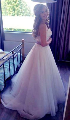 Weddinghair, bruidskapsel, bruidsjurk, sincerity