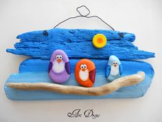 Art Drops: Painted 'owl' rocks on driftwood Pebble Painting, Pebble Art, Stone Painting, Stone Crafts, Rock Crafts, Arts And Crafts, Driftwood Projects, Driftwood Art, Painted Rocks