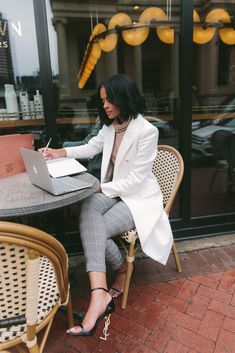 Business Photos, Business Outfits, Business Portrait, Photography Branding, Lifestyle Photography, Boss Lady, Girl Boss, Inspiration Photoshoot, Work Fashion