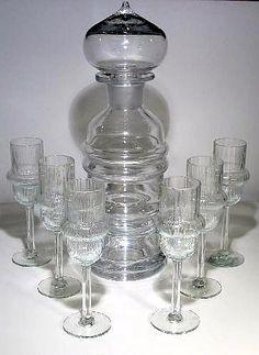 Sulttaani: karahvi ja lasit Still, Nanny, Riihimäen Lasi   Designlasi.com Nordic Design, Retro Art, Glass Collection, Glass Design, Finland, Scandinavian, Glass Art, Ceramics, Glasses