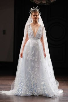 11 wedding dresses you wouldn't say no to from bridal fashion week spring 2016: Naeem Khan