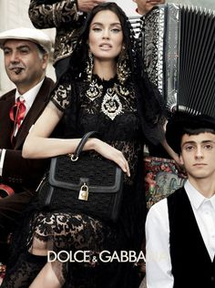 Domenico Dolce and Stefano Gabbana continue paying their homage to Italy and its culture in this ad campaign for Fall 2012 featuring models Bianca Balti, Bianca Brandolini, and Monica Bellucci photographed by Giampaolo Sgura in the south of Italy. Bianca Balti, Dolce & Gabbana, Style Blog, Mode Style, Monica Bellucci, Foto Fashion, Fashion Beauty, Fashion Women, Estilo Ivy