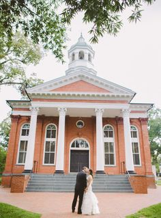 Old quaint churches in Virginia make for amazing backdrops if you are creating a traditional, elegant event. Photos by Clane Gessel Photography | #weddings #photography #bridalphotos #romanticweddings