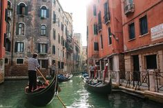 Reisetips til Venezia: Her er 10 tips til ting å gjøre i den verdensberømte karnevalbyen.