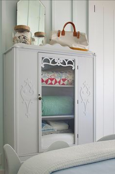 1000 images about quilt cabinet on pinterest quilt for K michelle bedroom furniture