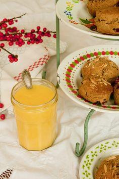 Recept: sinaasappelcurd uit De Veldkeuken | ELLE Eten Scones, Pudding, Netherlands, Holland, Desserts, Food, The Nederlands, The Nederlands, Tailgate Desserts