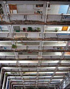 Vertigo-Inducing Views From the Highest Atriums [7 pics]   See More Pictures