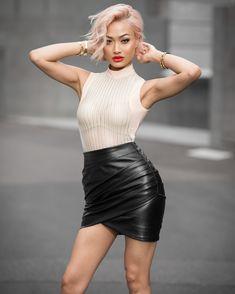 Micah-Gianneli-Windsor-Smith-Mistress-Rocks-Streetstyle-Fashion-Editorial-Campaign-Footwear-Fashionweek-Australian-Melbourne-Blogger-Hairstyle-4.jpg (1082×1352)